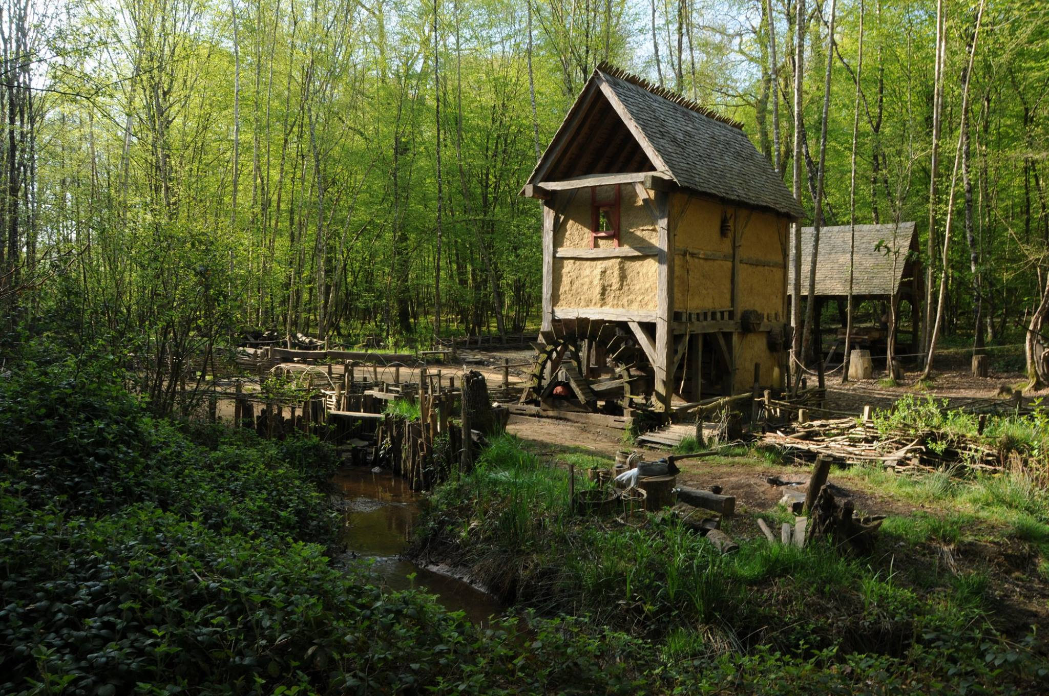 guedelon_watermill